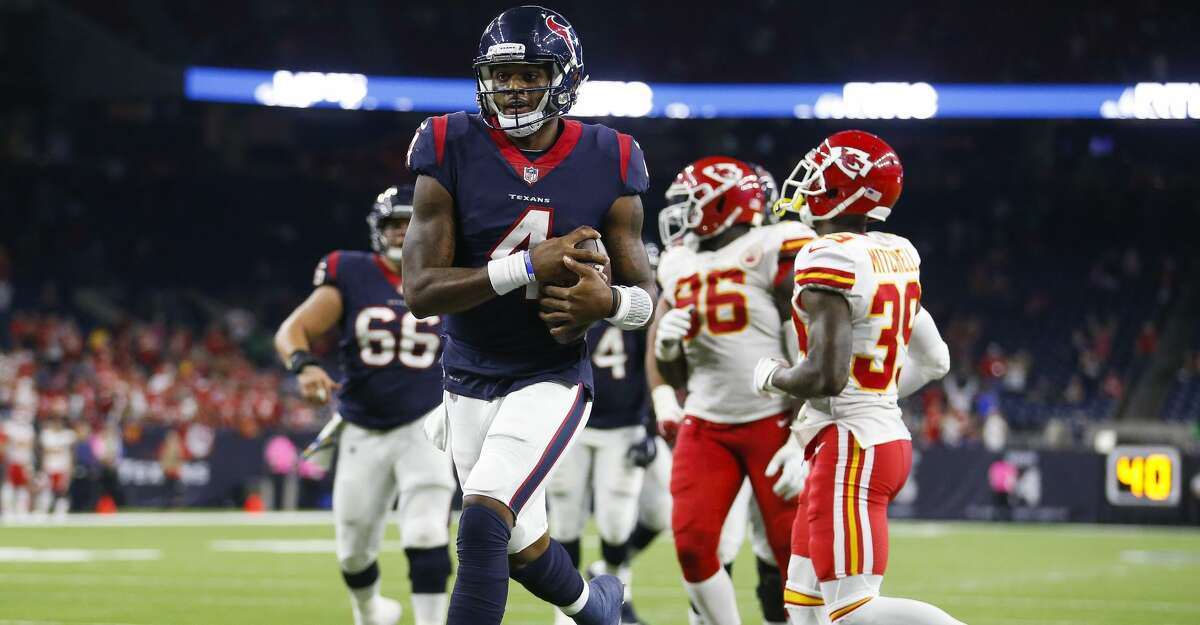 Houston Texans quarterback Deshaun Watson (4) runs in a two point conversion during the fourth quarter of an NFL football game at NRG Stadium Sunday, Oct. 8, 2017 in Houston. ( Michael Ciaglo / Houston Chronicle)