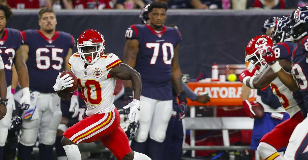 Kansas City Chiefs wide receiver Tyreek Hill (10) runs to the endzone on an 82 yard punt return for a touchdown during the fourth quarter of an NFL football game at NRG Stadium on Sunday, Oct. 8, 2017, in Houston. ( Brett Coomer / Houston Chronicle )