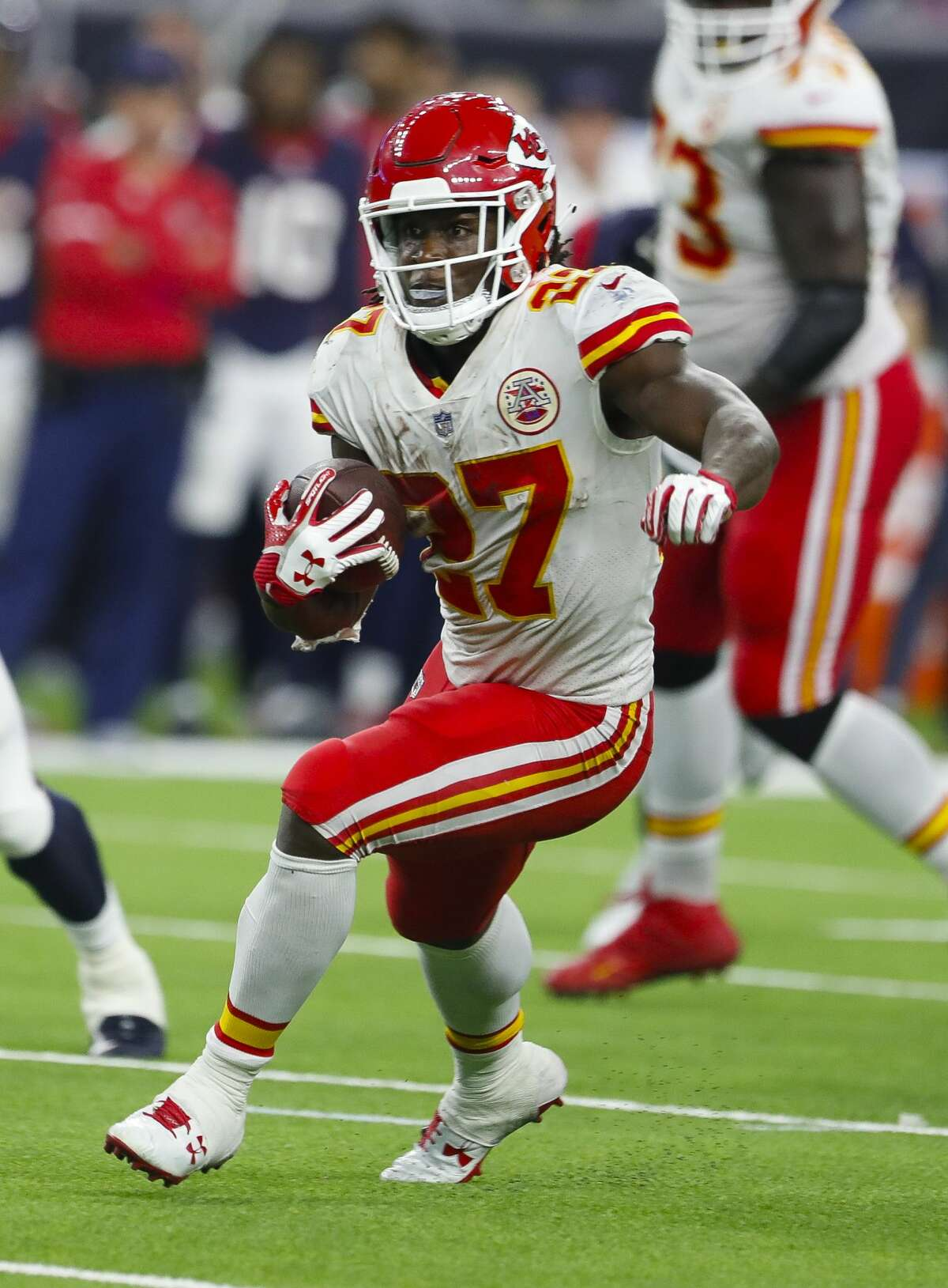 Kansas City Chiefs running back Kareem Hunt (27) runs down field the fourth quarter of an NFL football game at NRG Stadium on Sunday, Oct. 8, 2017, in Houston. ( Brett Coomer / Houston Chronicle )