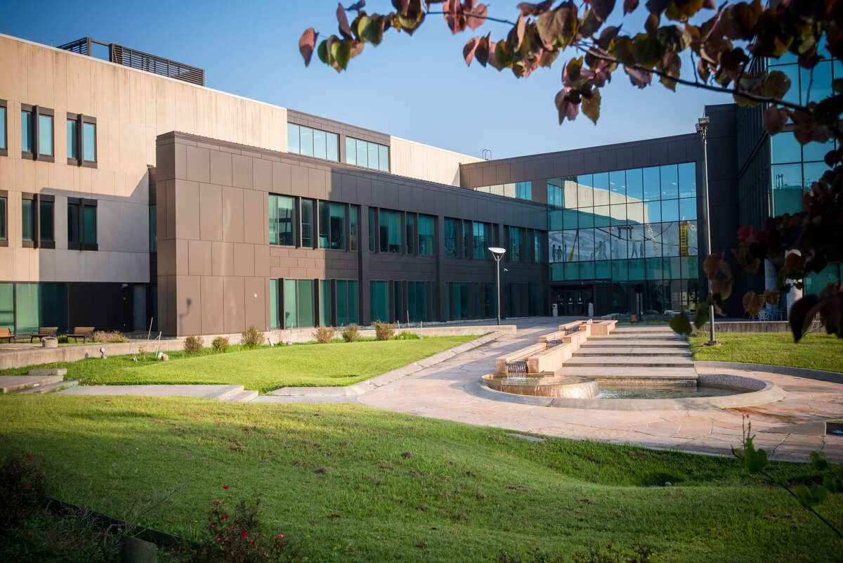 University of Houston-Clear Lake ranks 63rd among 659 colleges and universities in U.S. News & World Report's 2018 Best Regional Universities in the West.