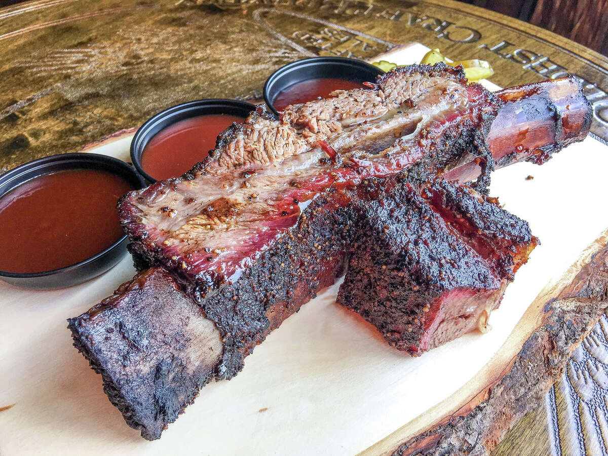 Beef short rib with homemade pickles was served by Tin Roof BBQ at the 2017 Houston BBQ Throwdown.