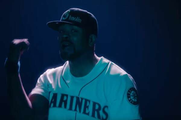 """Rapper Method Man sports a Mariners jersey and hat in the new video """"People Say"""" from Wu-Tang Clan."""