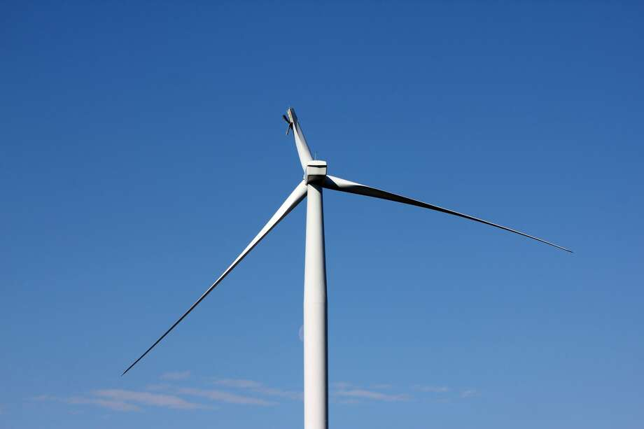A blade broke Saturday evening on this DTE Energy wind turbine in the company's Sigel Wind Park in Sigel Township. Photo: Brenda Battel/Huron Daily Tribune