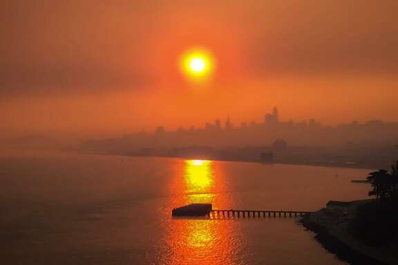 @masongoes  photographed the sunrise over San Francisco on October 9, 2017.