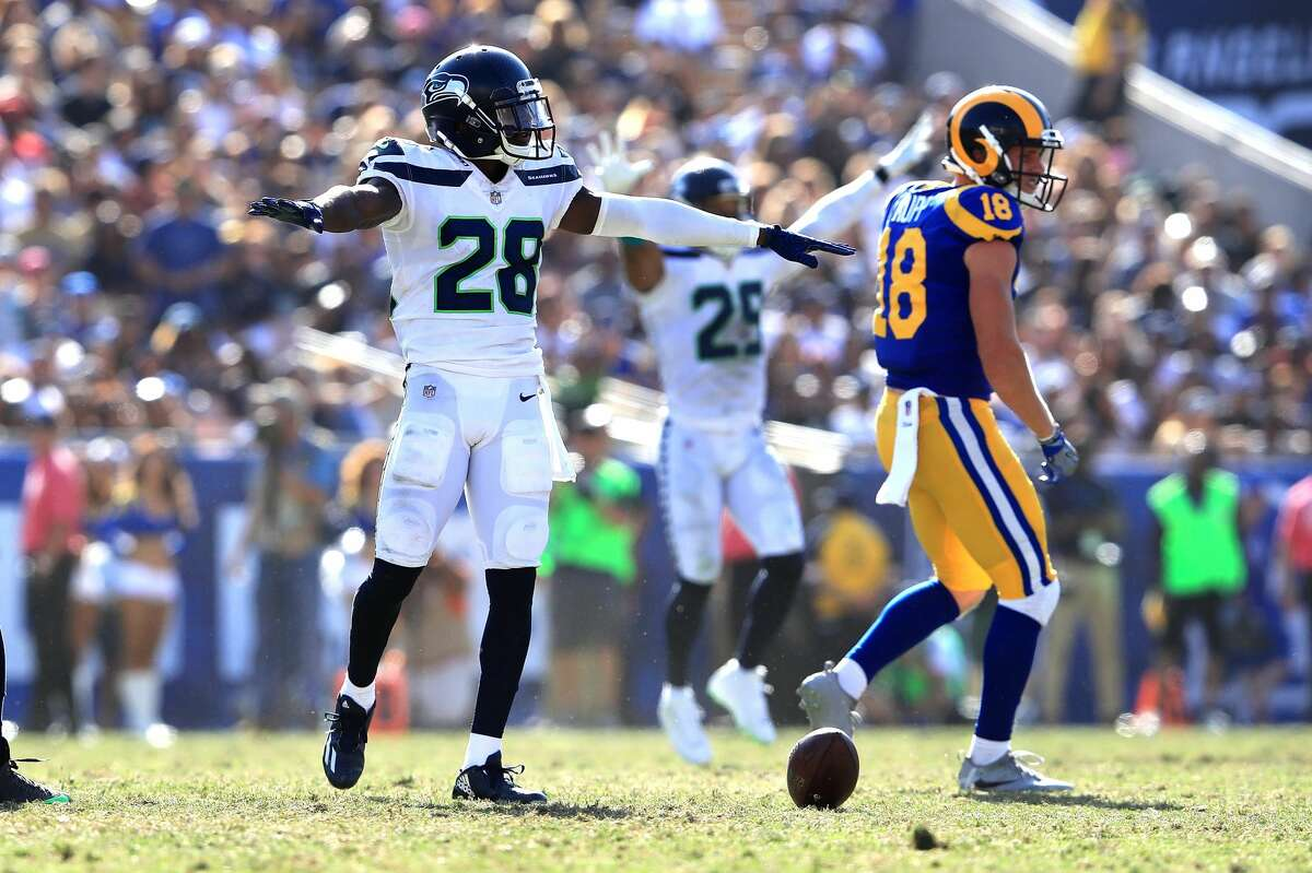NFL.com's Kevin Patra Seattle surrendered yards to a Rams offense that came into the game flying high, but that never translated into points.