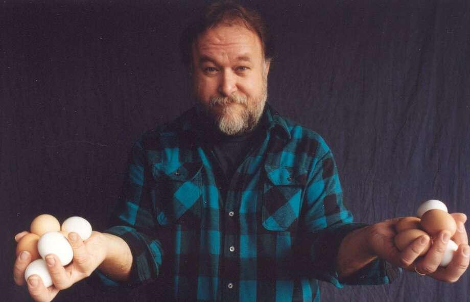 Michigan folk musician Joel Mabus will perform at the Branford Folk Music Society on Saturday. Photo: Contributed