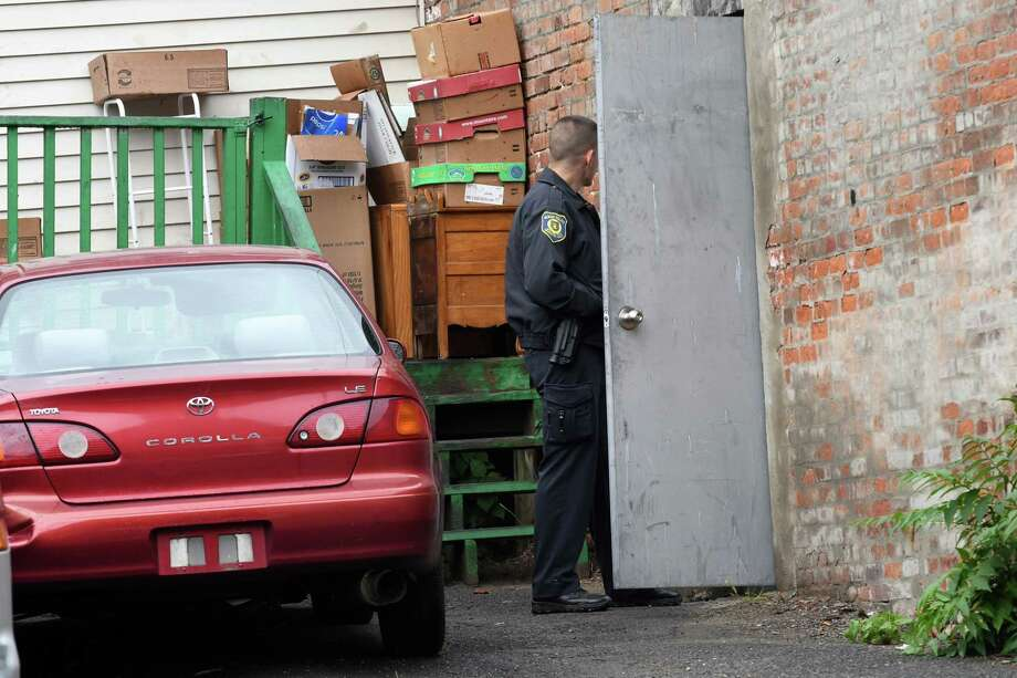Albany police search area near Sunday\'s fatal shooting - Times Union