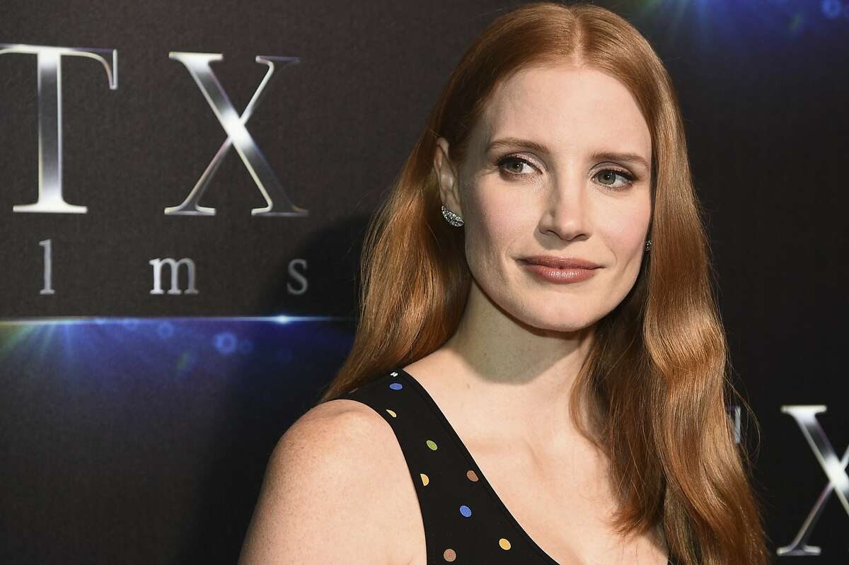 - Jessica Chastain The actress has posted a series of tweets in response to the New York Times report and has shared the remarks of other actresses, including Kate Winslet and Lena Dunham. She posted her most pointed comment on Monday, writing that she