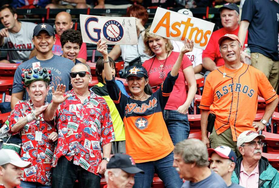 Houston Astros fans cheer before Game 4 of the ALDS against the Boston Red Sox at Fenway Park on Monday, Oct. 9, 2017, in Boston. ( Karen Warren / Houston Chronicle ) Photo: Karen Warren, Staff / © 2017 Houston Chronicle