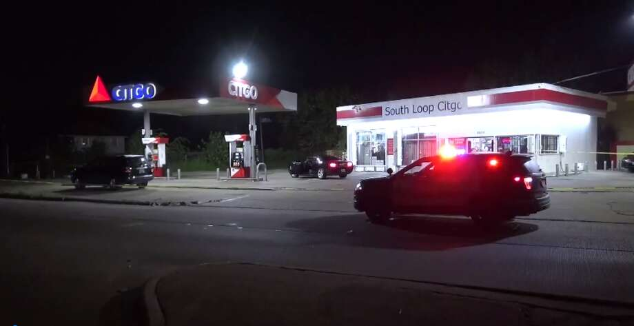 One person is injured after gunfire late Monday in south Houston. (Metro Video) Photo: Metro Video