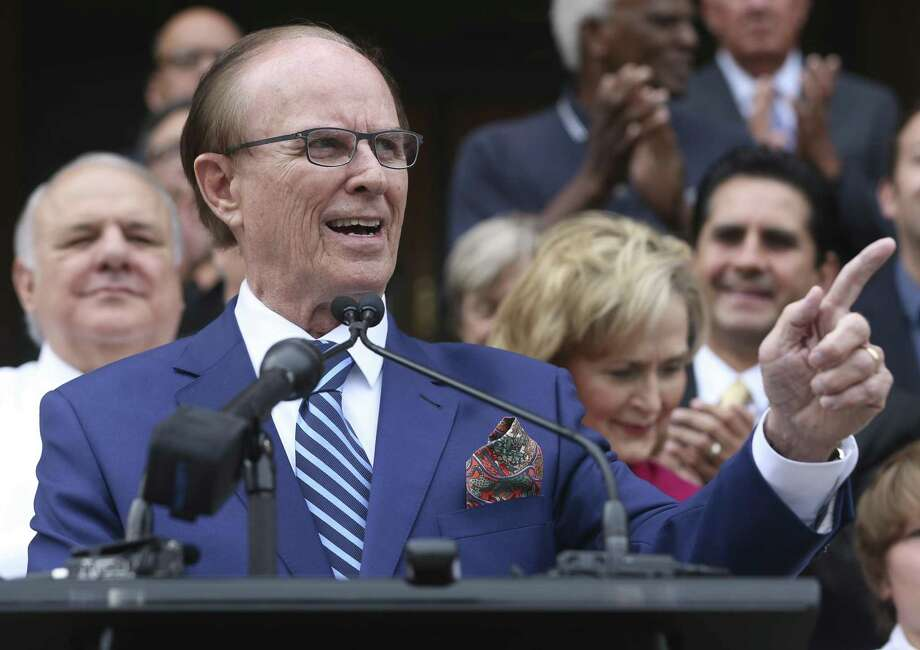 Bexar County Judge Nelson Wolff said he's worried that proposed tax-reform legislation could hurt the county's bond rating. Photo: William Luther /San Antonio Express-News / © 2017 San Antonio Express-News