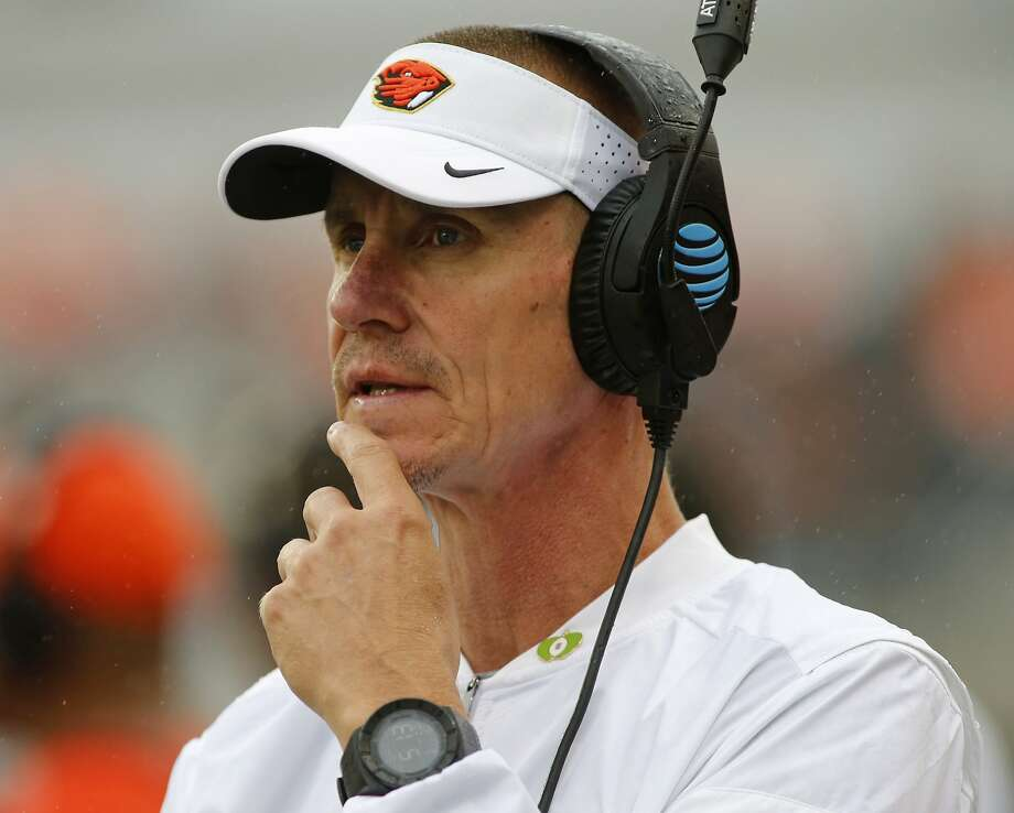 FILE - In this Sept. 17, 2016, file photo, Oregon State head coach Gary Andersen looks on from the sideline during an NCAA college football game in Corvallis, Ore. Oregon State and coach Gary Andersen have mutually agreed to part ways, effective immediately, with the Beavers off to a 1-5 start. The school announced the split in a news release Monday, Oct. 9, 2017, two days after a 38-10 loss at Southern California. (AP Photo/Timothy J. Gonzalez, File) Photo: Timothy J. Gonzalez, Associated Press