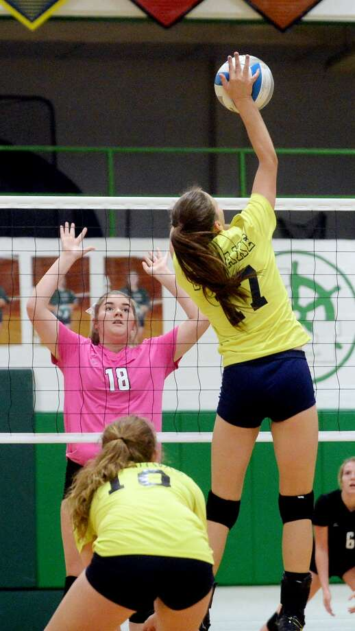 Bad Axe at EPBP — Volleyball 2017 Photo: Paul P. Adams/Huron Daily Tribune