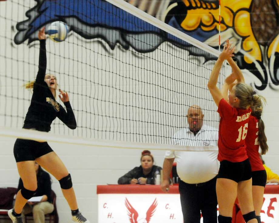 Deckerville at Caseville — Volleyball 2017 Photo: Chip Burch/Huron Daily Tribune