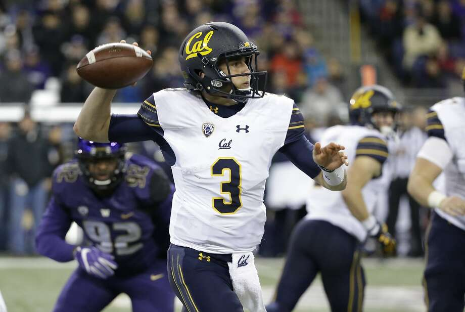 California quarterback Ross Bowers readies a pass against Washington in the first half of an NCAA college football game Saturday, Oct. 7, 2017, in Seattle. (AP Photo/Elaine Thompson) Photo: Elaine Thompson, Associated Press