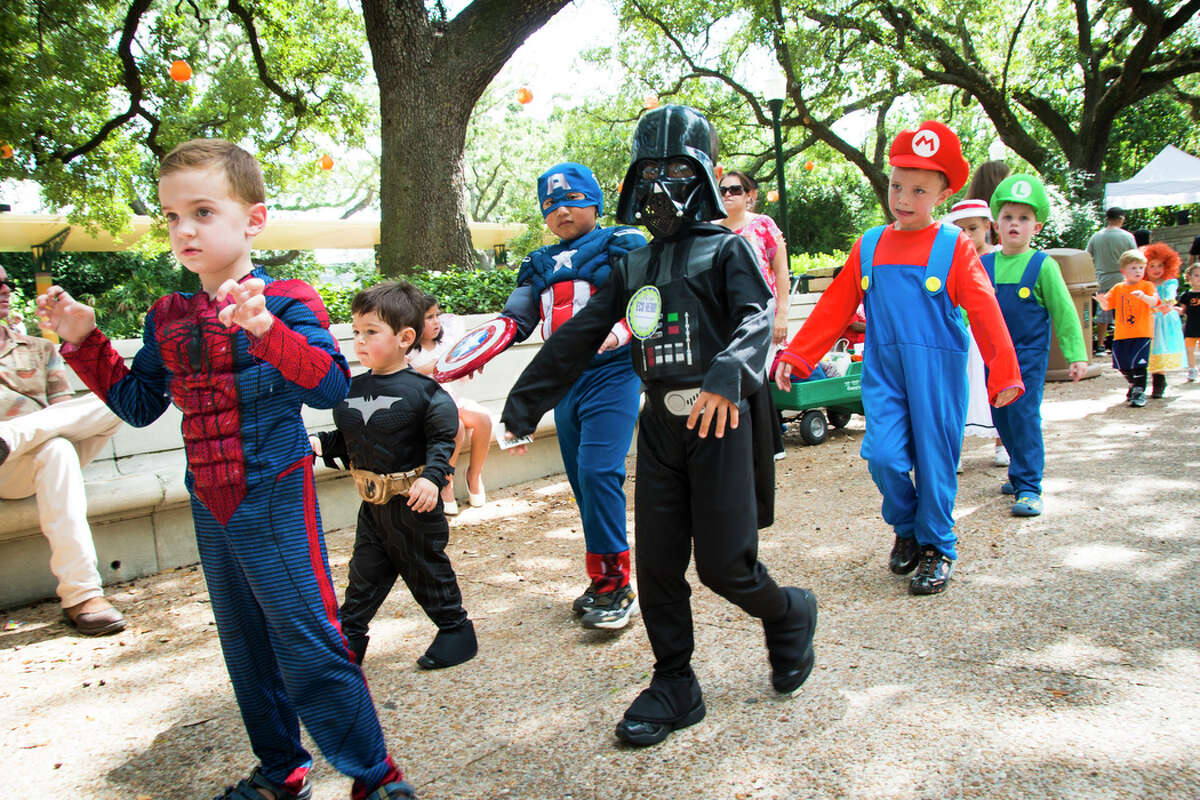 """Houston Zoo Boo When: Fridays on October 12, 19 & 26. Saturday onOctober 13 & 14, 20 & 21, 27 & 28. Where: Houston Zoo What: """"We're inviting all little ghouls and goblins to celebrate Halloween at the Houston Zoo with activities that are fun for the entire family. We encourage all kids to come dressed in their spookiest or prettiest Halloween costume, and don't forget the trick-or-treat bags!"""""""
