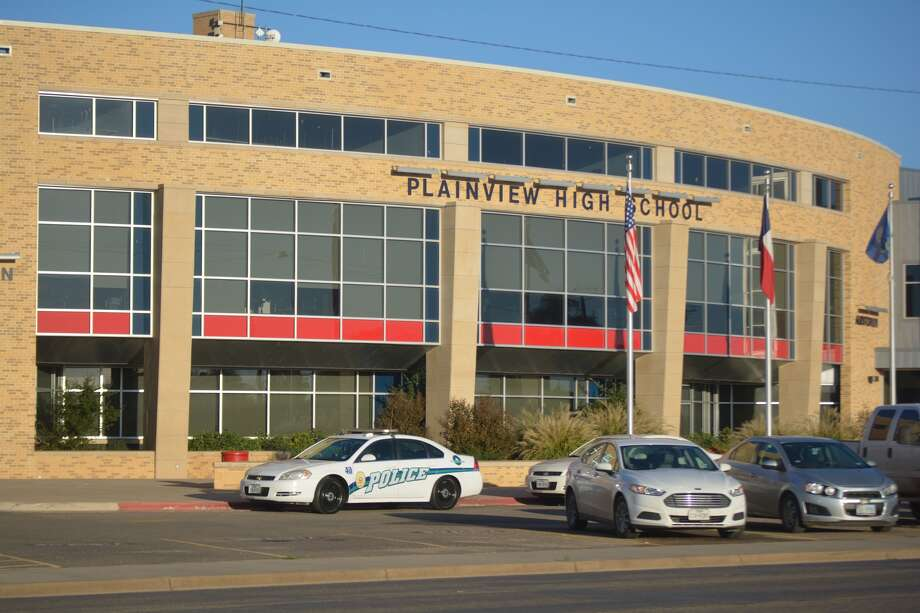 The strong police presence Wednesday morning at Plainview High School was the result of a threat made late Tuesday night using Snapchat. The anonymous threat was received by multiple students who, in term, alerted their parents, then school and law enforcement officials.