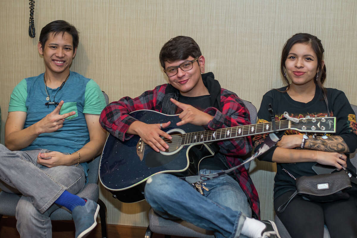San Antonio singers showed up in hordes at downtown's Hyatt Regency to tryout for