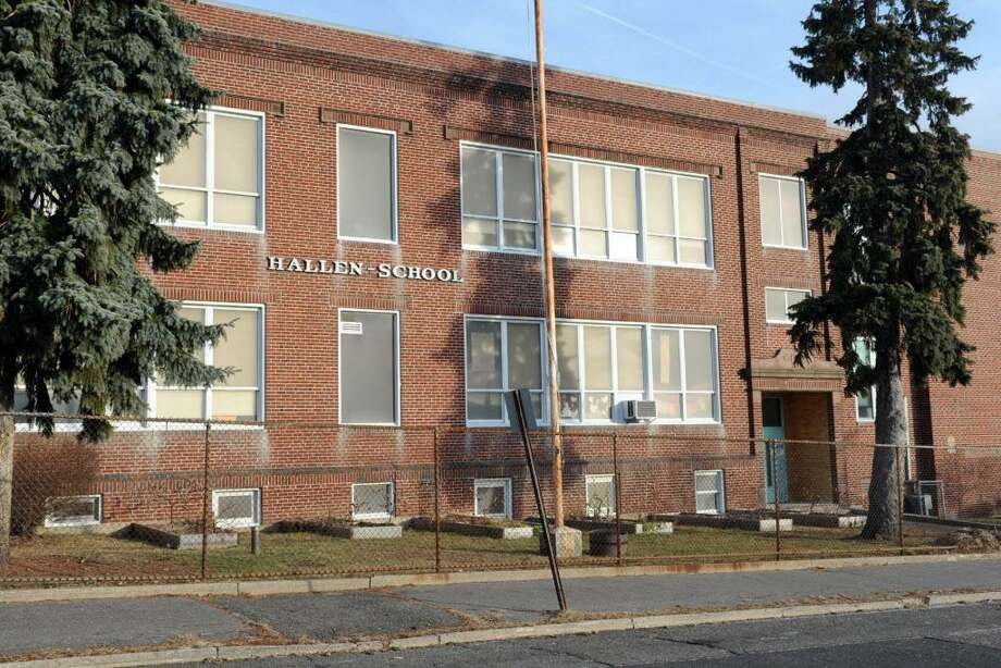 Hallen School, 68 Omega Ave. in Bridgeport, Conn. Jan. 20. 2014. Photo: Ned Gerard / Ned Gerard / Connecticut Post