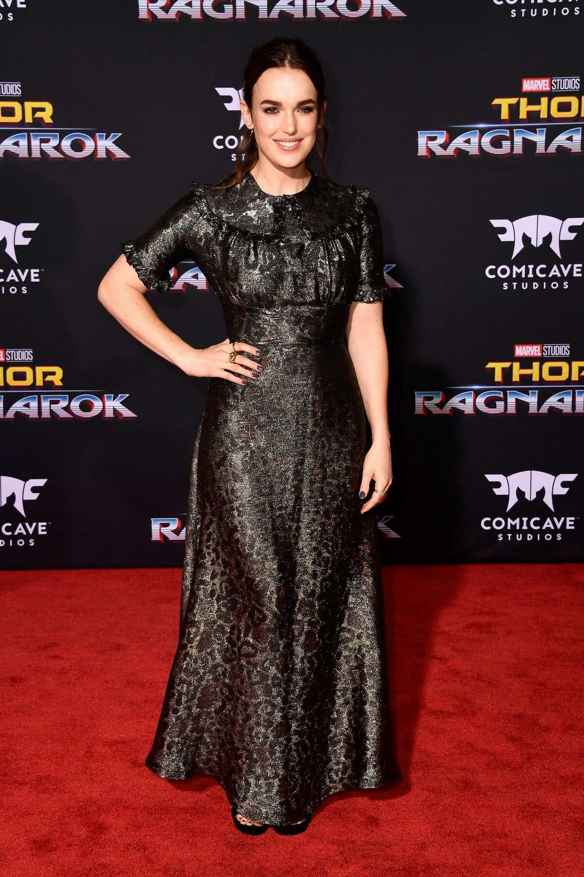 LOS ANGELES, CA - OCTOBER 10: Elizabeth Henstridge attends the premiere of Disney and Marvel's