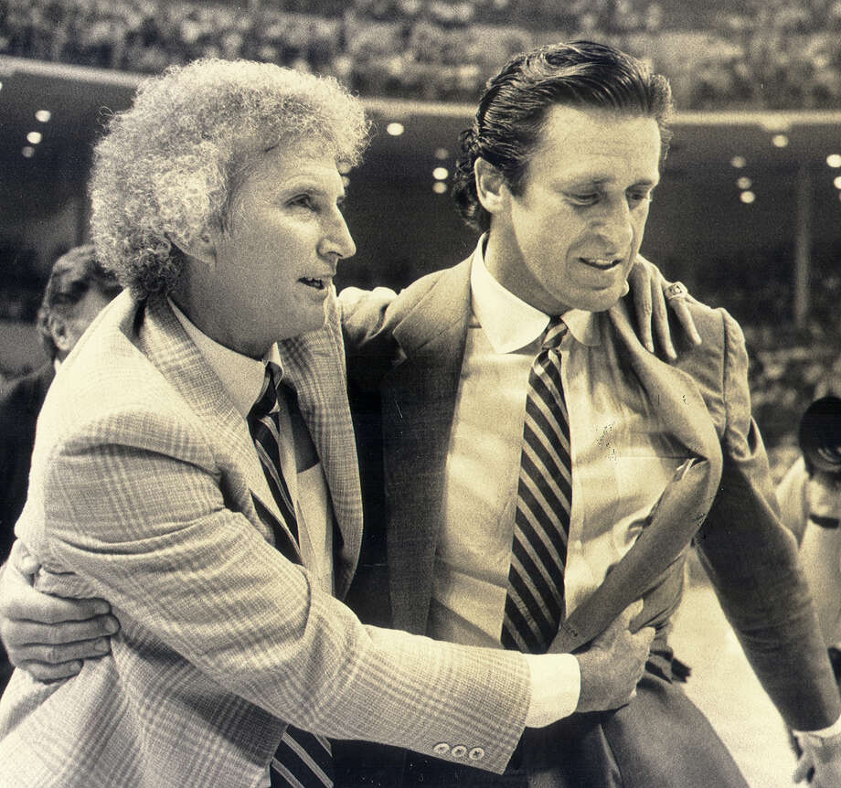 San Antonio Spurs coachStanAlbeckwith Pat Riley in 1983.