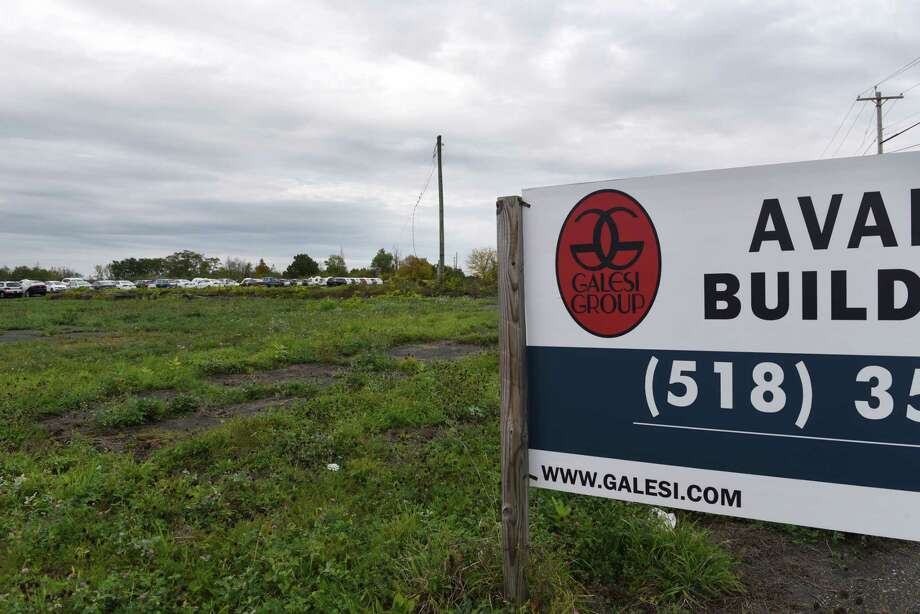 Site of the former Starlite Theatre on Wednesday, Oct. 11, 2017, on Route 9R in Colonie, N.Y. (Will Waldron/Times Union) Photo: Albany Times Union