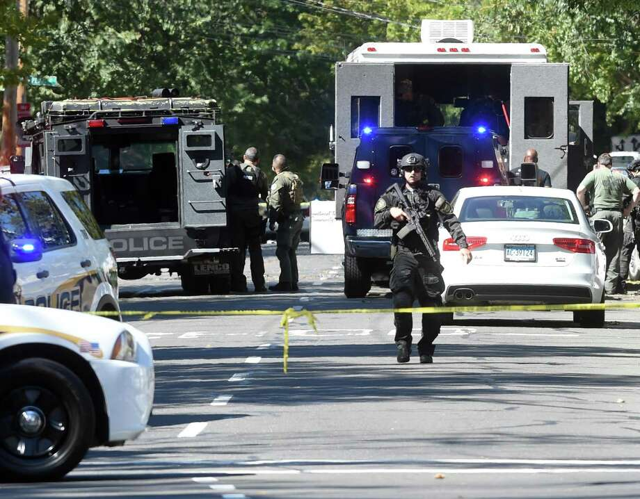 The scene of the police response to a shootings on Elm St. in New Haven on September 23, 2017. Photo: Arnold Gold / Hearst Connecticut Media / New Haven Register