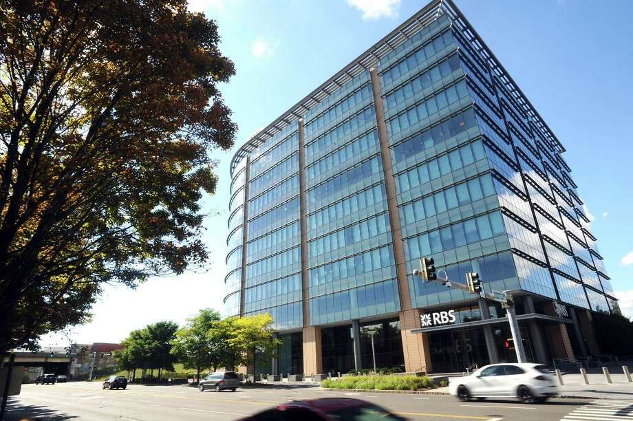 The UBS and RBS building at 600 Washington Boulevard in downtown Stamford. Photo: Michael Cummo / Hearst Connecticut Media / Stamford Advocate