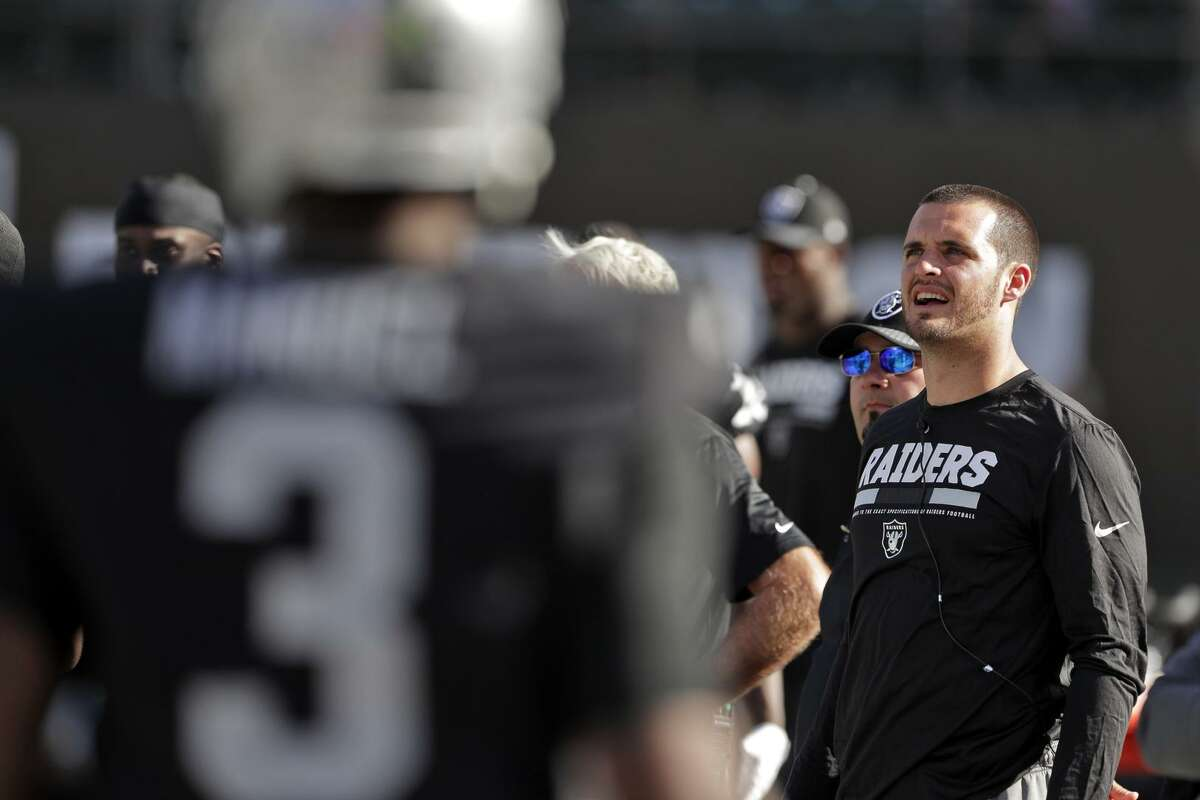 Oakland quarterback Derek Carr was a spectator on Sunday when the Raiders lost to Baltimore, falling to 2-3.