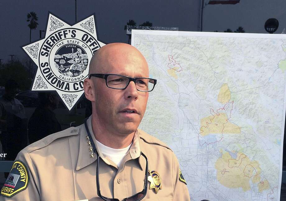 Sonoma County Sheriff Rob Giordano briefs the media at a news conference in Santa Rosa, Calif. on Wednesday, Oct. 11, 2017. Photo: Paul Elias, Associated Press