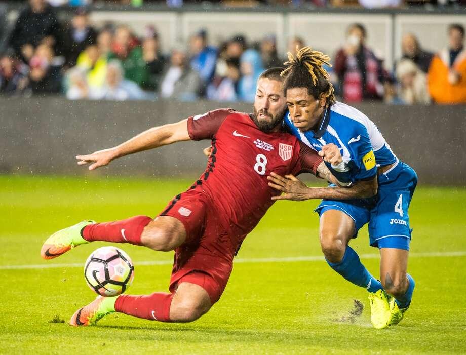 Dempsey, stuck in in a qualifier against Honduras. Photo: Shaun Clark / Getty Images