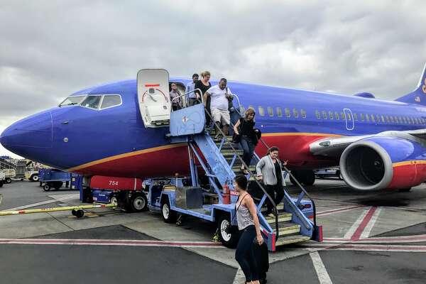 Southwest Boeing 737 at Burbank