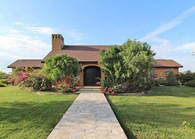 Million-dollar homes for sale around Laredo