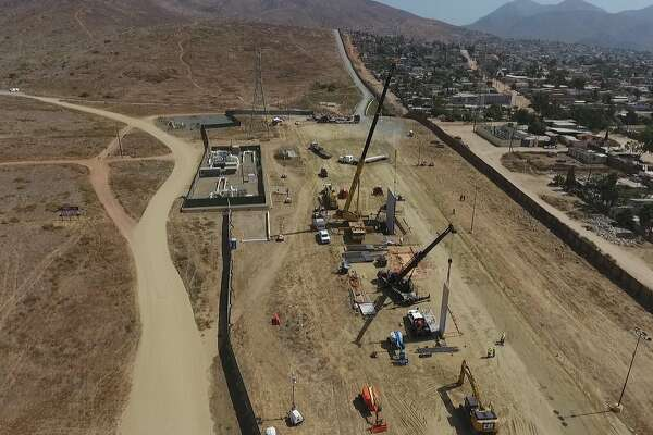 @CBPSanDiego: With just over 2 weeks in the construction phase the companies building the Border Wall Prototypes are taking form.