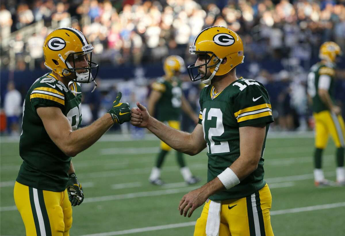 Green Bay minus-3 at Minnesota Packers 27-20