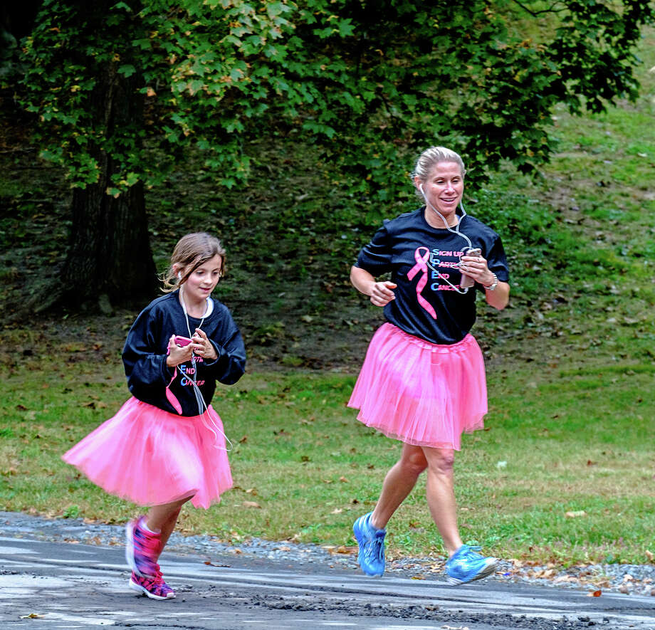 Runners in the Susan G. Komen Race for the Cure help raise funds to fight breast cancer and increase awareness of the disease on Saturday morning October 7, 2017 in Albany?s Washington Park. (Ron Ginsburg)