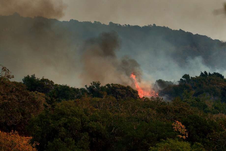 Fires burning near Sonoma. Photo: Carlos Avila Gonzalez, The Chronicle