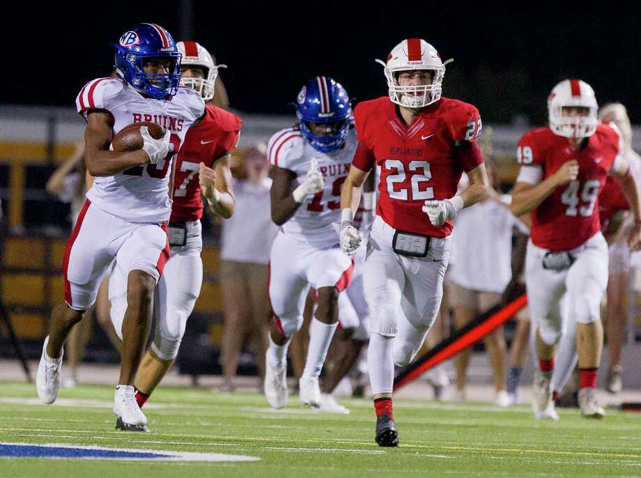 Beaumont West Brook's Thaddeus Johnson (18) returns a kickoff for a 100-yard touchdown during the third quarter of a District 12-6A high school football game at Woodforest Bank Stadium on Thursday, Oct. 12, 2017, in Shenandoah. The Woodlands defeated Beaumont West Brook 35-21. Photo: Jason Fochtman, Staff Photographer / © 2017 Houston Chronicle