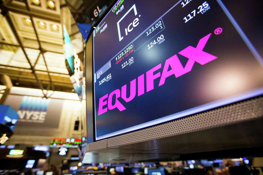 A monitor displays Equifax Inc. signage on the floor of the New York Stock Exchange (NYSE) in New York, U.S., on Friday, Sept. 8, 2017. The dollar fell to the weakest in more than two years, while stocks were mixed as natural disasters damped expectations for another U.S. rate increase this year. Photographer: Michael Nagle/Bloomberg Photo: Michael Nagle / © 2017 Bloomberg Finance LP
