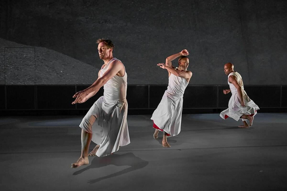 PHOTO FILE: Brendan and Kelly and Corey of MJDC by Tom Kubik.jpg CAPTION: (L-R) Brendan Barthel, Kelly Del Rosario and Corey Brady of Margaret Jenkins Dance Company perform Skies Calling Skies Falling, Thursday through Saturday, October 12, 13, and 14 at 8 p.m. in the newly renovated Diane B. Wilsey Center in the SF War Memorial Building. Photo by Tom Kubik. www.mjdc.org