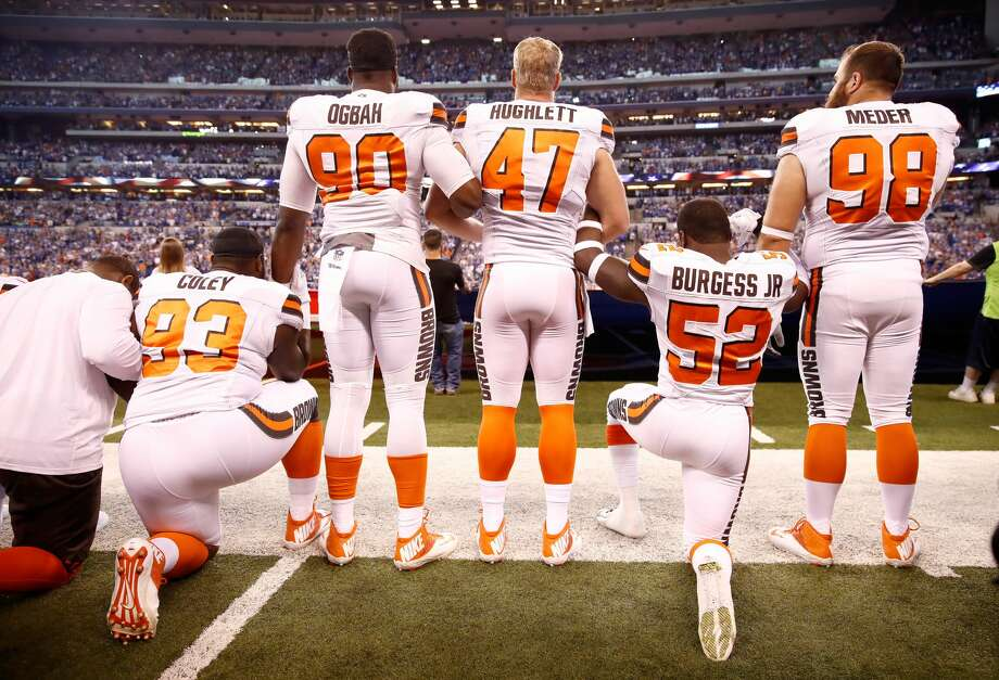 INDIANAPOLIS, IN - SEPTEMBER 24:  Members of the Cleveland Browns stand and kneel during the national anthem before the game against the Indianapolis Colts at Lucas Oil Stadium on September 24, 2017 in Indianapolis, Indiana.  (Photo by Andy Lyons/Getty Images) Photo: Andy Lyons/Getty Images