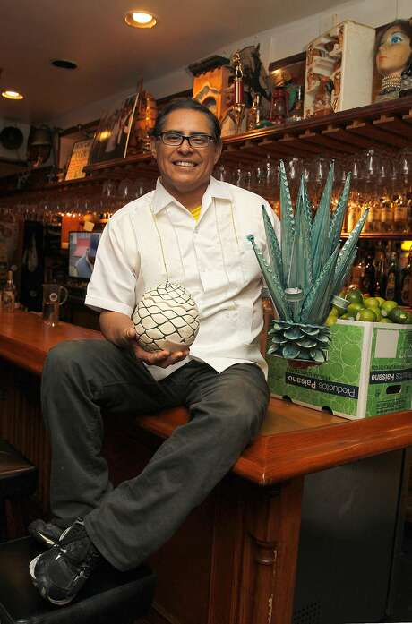 Julio Bermejo at the bar at Tommy's Mexican Restaurant in S.F. Photo: Liz Hafalia, The Chronicle