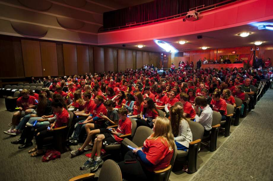 """About 400 H. H. Dow and Midland high school students fill Central Park Elementary auditorium for the """"We are Innovators"""" campaign kickoff on Friday. Dow Chemical is partnering with a charity organization called WE to challenge students to solve global problems with science and chemistry skills. (Katy Kildee/kkildee@mdn.net) Photo: (Katy Kildee/kkildee@mdn.net)"""