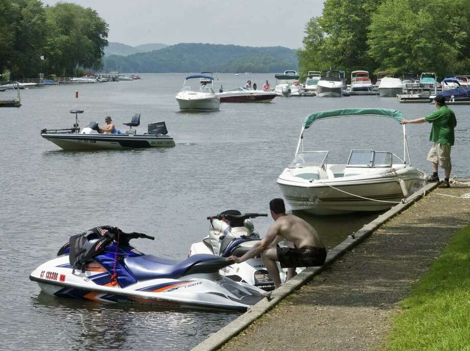 File photo of the Lattins Cove boat launch on Candlewood Lake. Photo: Scott Mullin / ST / The News-Times Freelance