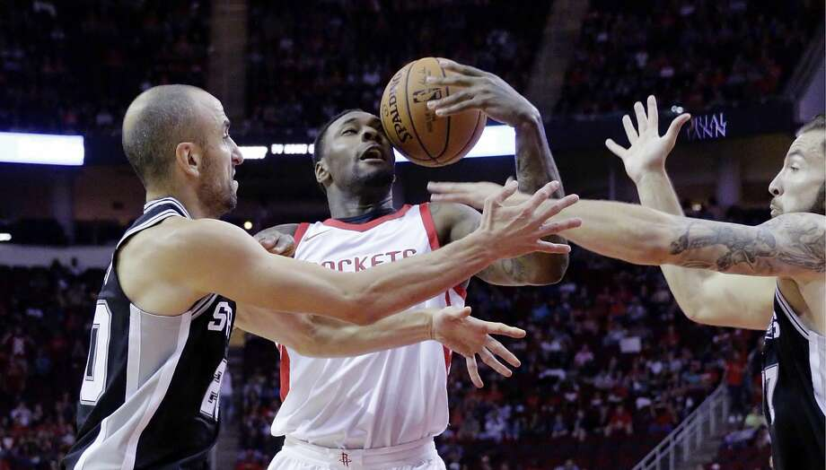 Rebounding will take on added importance Saturday night when the Rockets face the Grizzlies at Toyota Center. Photo: Michael Wyke/Associated Press
