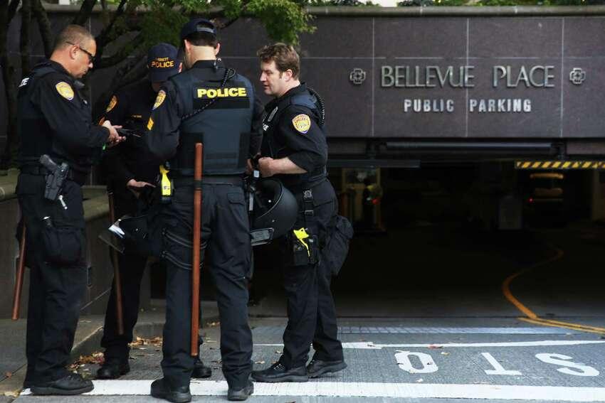 Bellevue - Population: 142,238 people - Violent crime arrests per 1,000 residents: 1