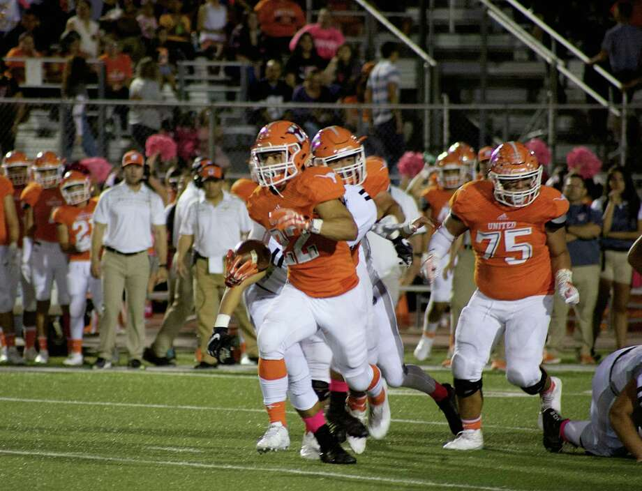 United running back Isaac Velazquez suffered a torn ACL Thursday in the Longhorns' 40-14 win over Del Rio. Photo: Francisco Vera /Laredo Morning Times File
