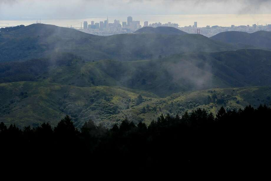 The vista from Mount Tamalpais on a fine spring day is an idyllic contrast with the bleak grayish-brown clouds of smoke from the Wine Country fires that have obscured the views on many recent days. Photo: Frederic Larson, The Chronicle