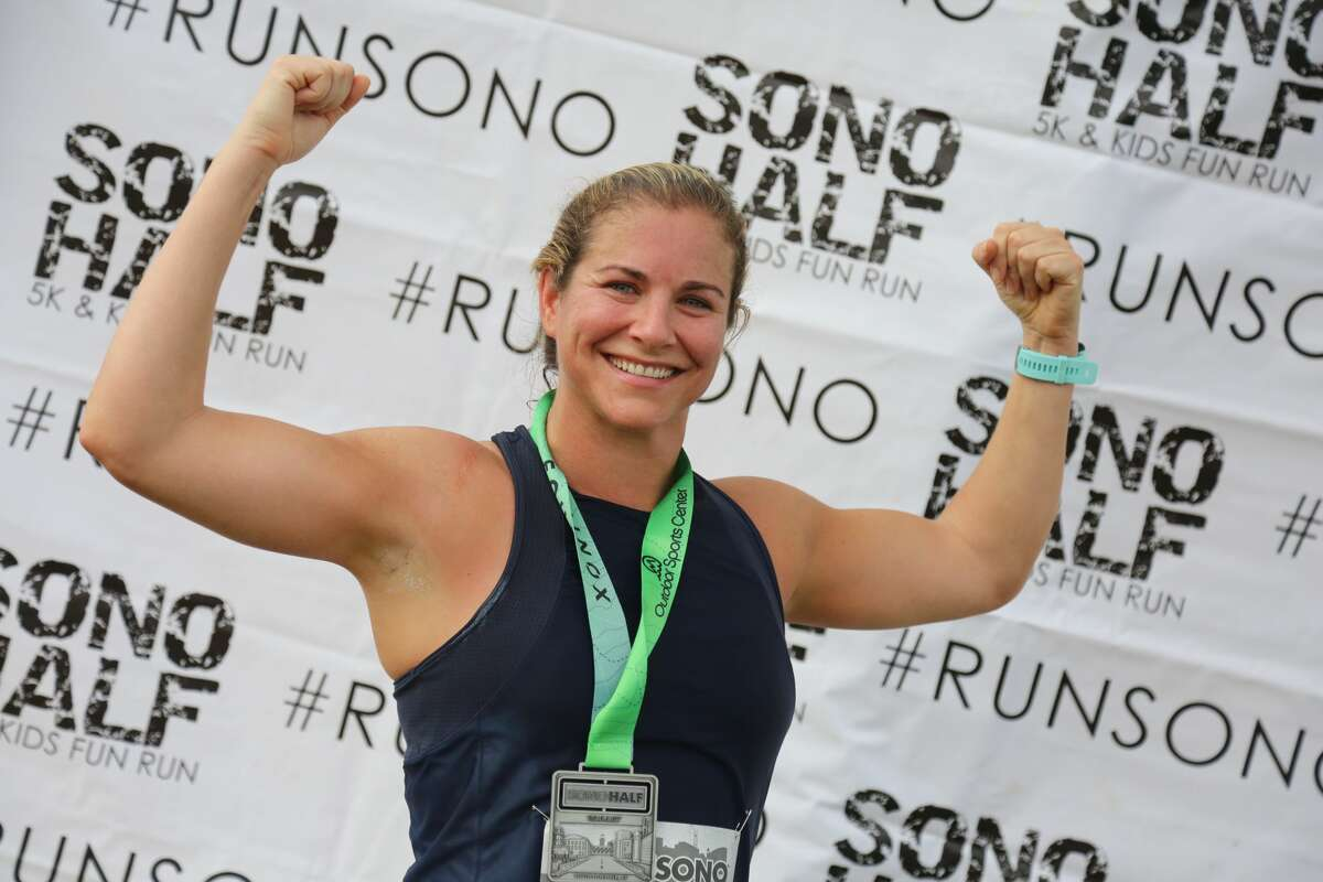 The SoNo Half Marathon took place on October 14, 2017. At the post-race party, runners enjoyed Colony pizza, beer and more. Were you SEEN?