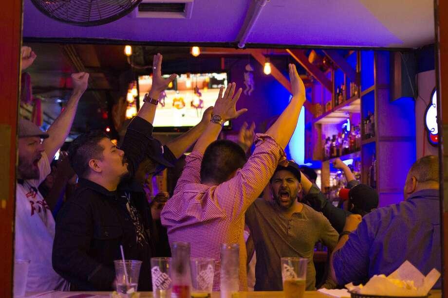 PHOTOS: Look inside Avenida Cantina, a Houston Astros bar in New York CityHouston Astros fans gather at Avenida Cantina in New York City to watch the Astros play the Yankees in the ALCS. Avenida Cantina is a New York City spot where Houston sports fans congregate to watch their sports teams.Browse through the photos above for a look inside a Houston Astros bar in New York City. Photo: Kate Ducey